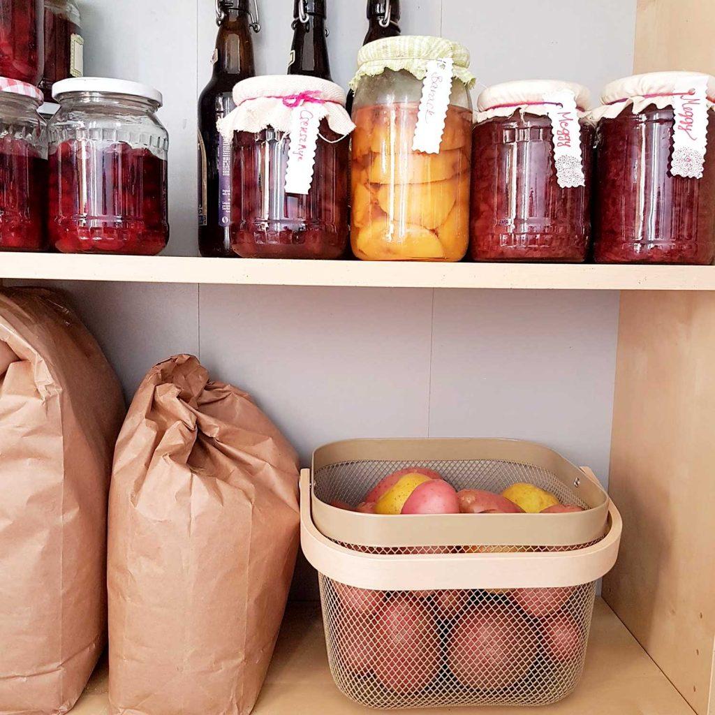 alma és burgonya együtt, zöldség tárolás
